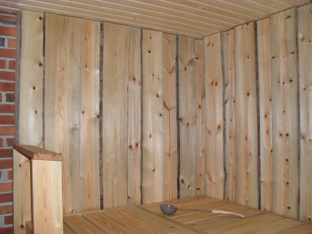 Tuppilaudasta tehty sauna